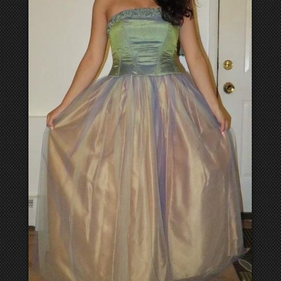 Bari Jay Dresses   Vintage Gold Petite Prom Dress Size 78   Poshmark